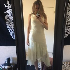 Dresses & Skirts - White chiffon dress